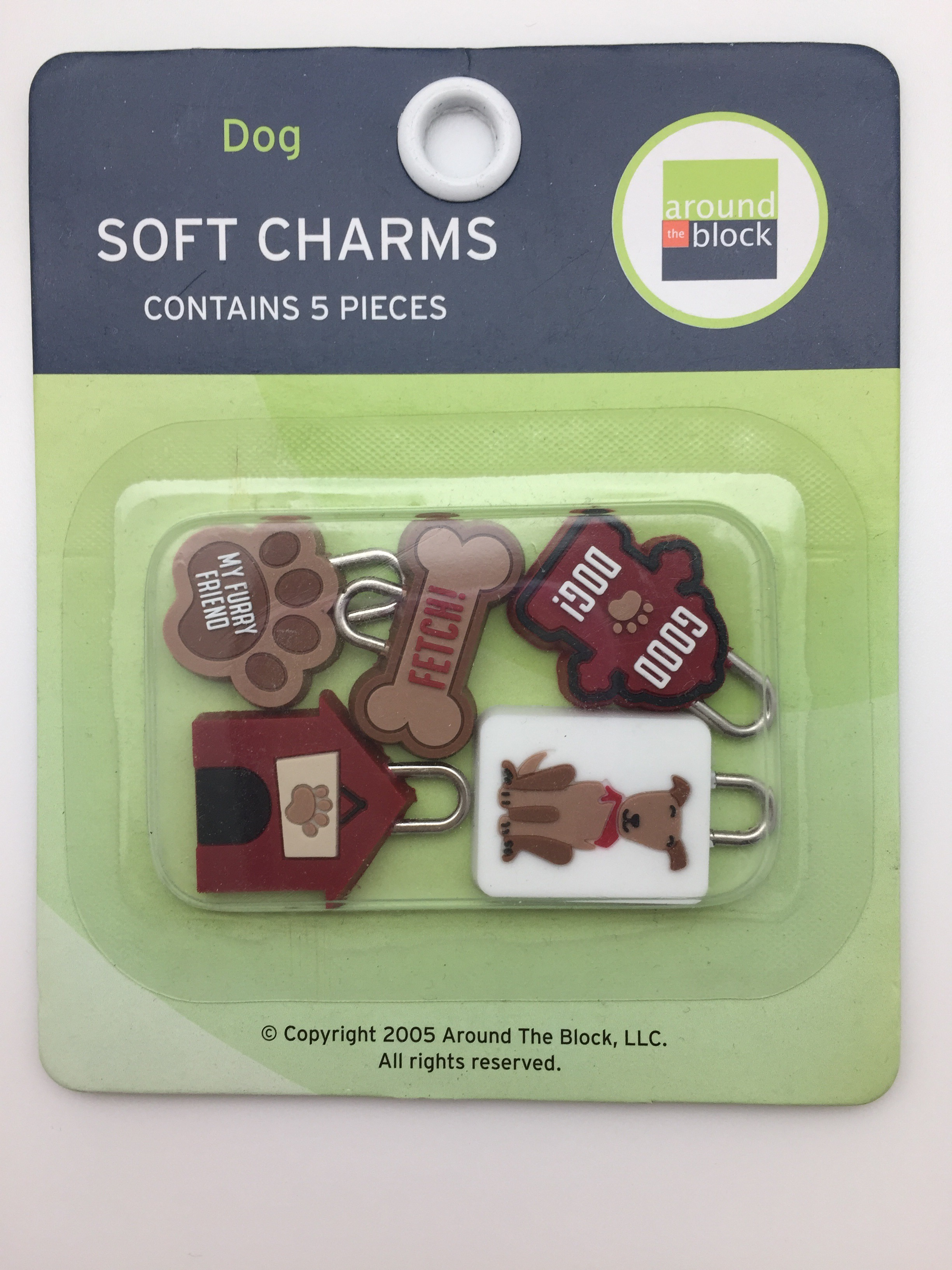 Around-the-Block-Dog-Charms-5-pieces-Scrapbooking-Embellishment
